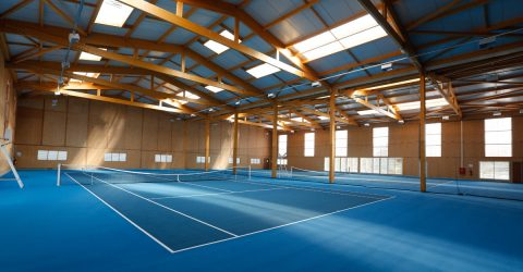 Terrain de Tennis bleu indoor