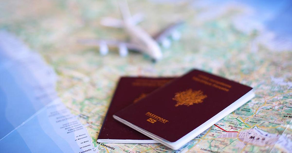Passeport et carte du monde